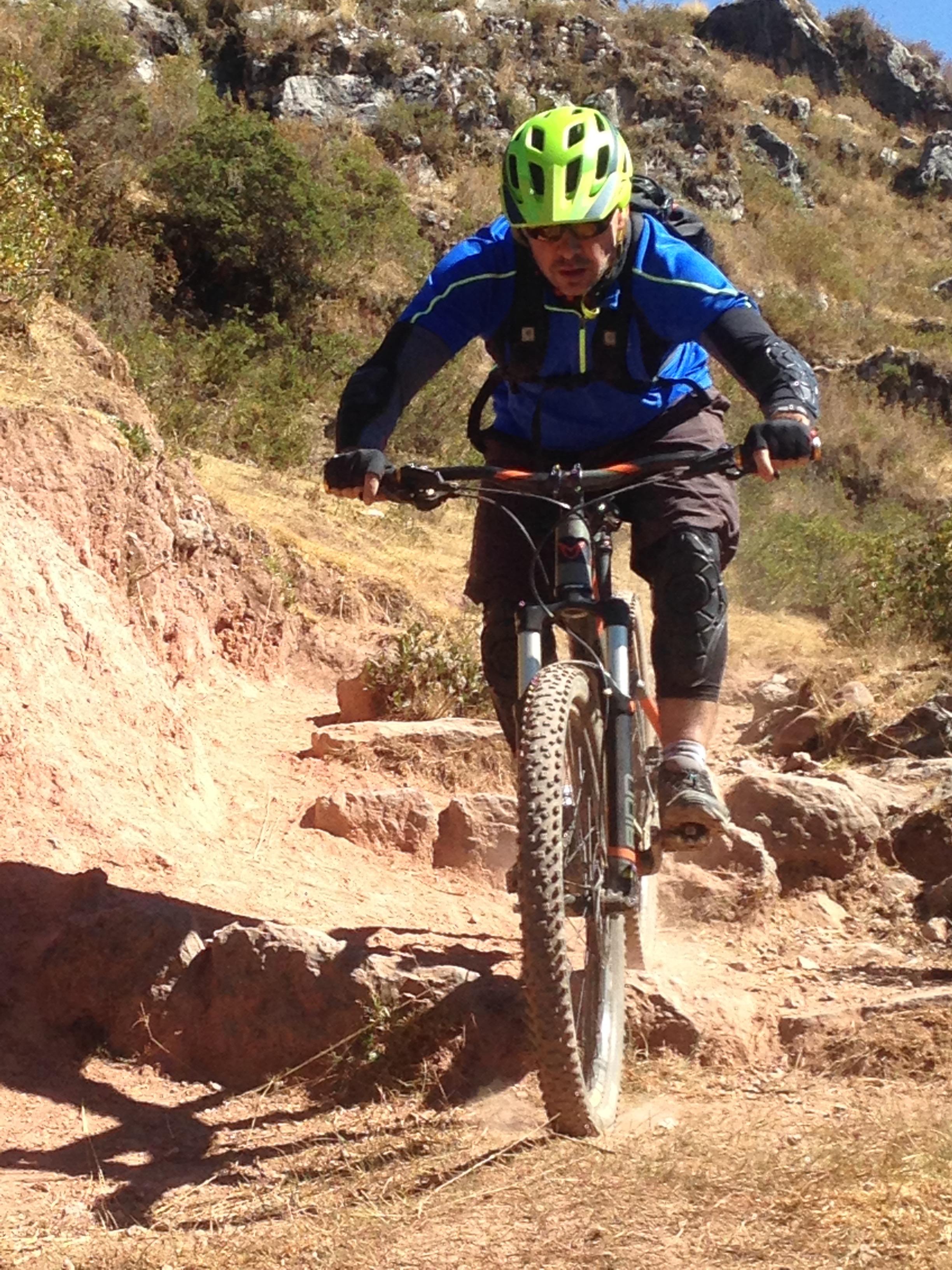 peru mountain biking with rider on gnarly cusco peru mtb trail